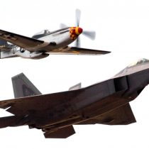 Heritage photo – flying together at the Reno Air Races